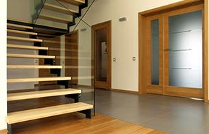 Menuiserie porte de garage escalier pose de parquet et for Garage vitry le francois